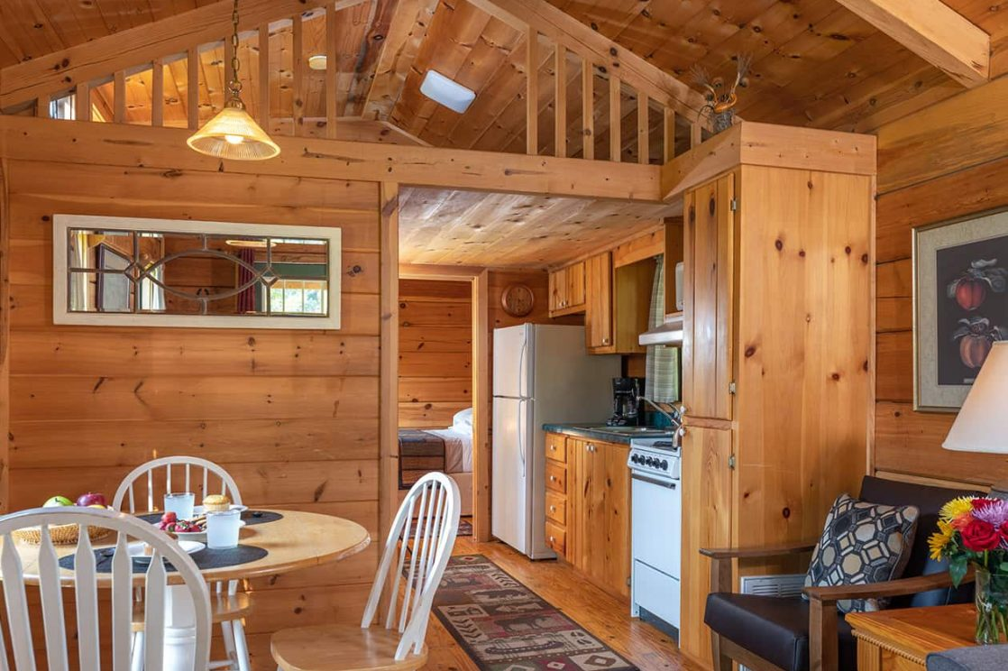 Looking Glass Mountain Cabin kitchen