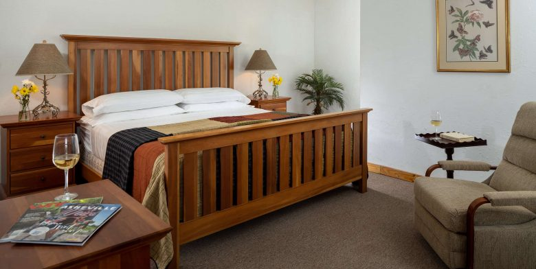 Mount Mitchell Cabin bed
