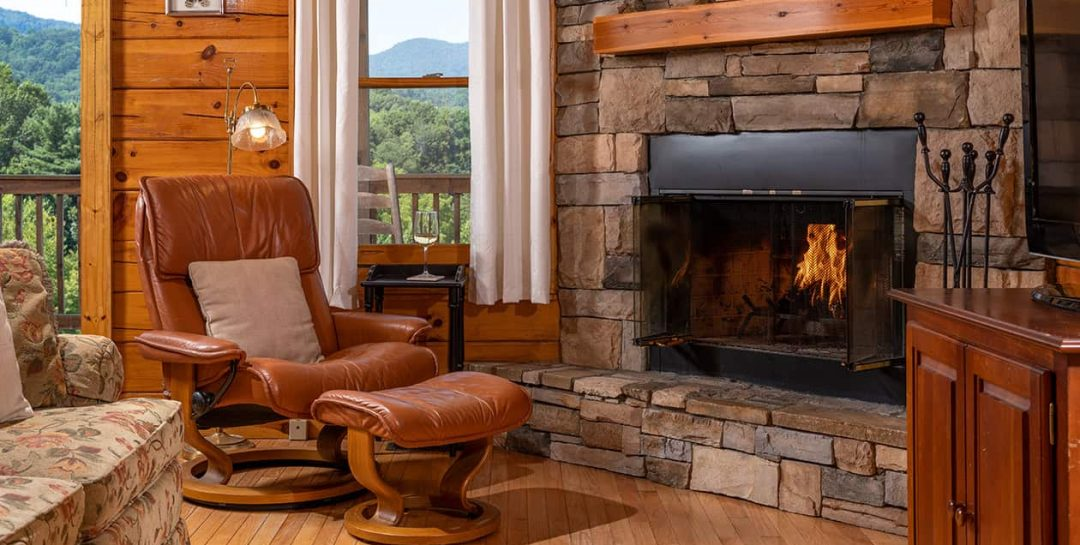 Mount Mitchell Cabin living room